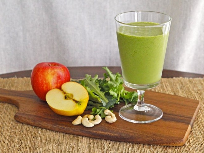 Cashew-Apple-Greenie-on-TheShiksa.com-healthy-green-smoothie-recipe